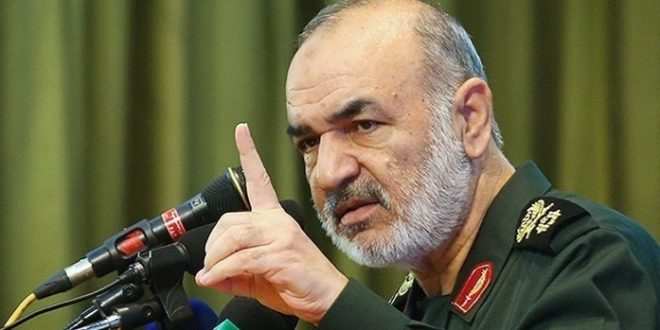 """سردار سلامی: در """"هر نقطه"""" منافع دشمن را ویران میکنیم/ ملت ایران در زمین دشمن بازی نمیکند"""